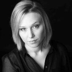 Camilla Holm, 25 år